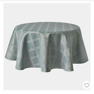"""TOWN & COUNTRY LIVING 70"""" Gray Round Tablecloth"""